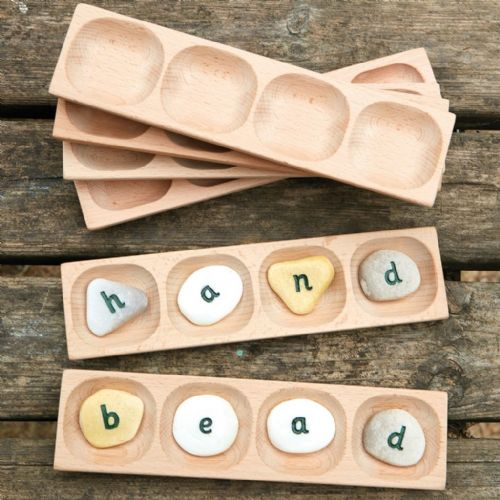 4 Pebble Word Building Tray